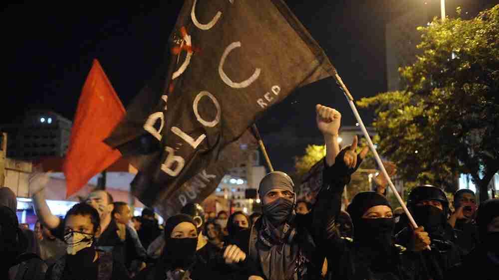 Condenado manifestante que portou explosivo