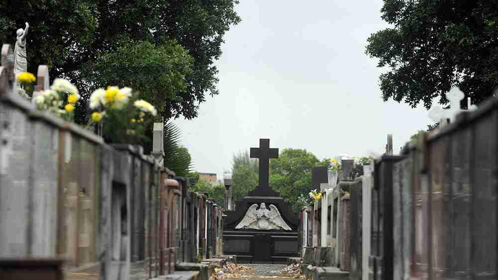 Cemitério poderá retomar jazigo, mas terá de restituir parte do valor pago