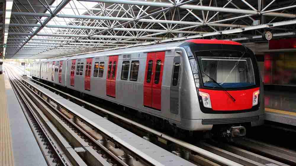 Metrô deve indenizar passageira por acidente causado por superlotação