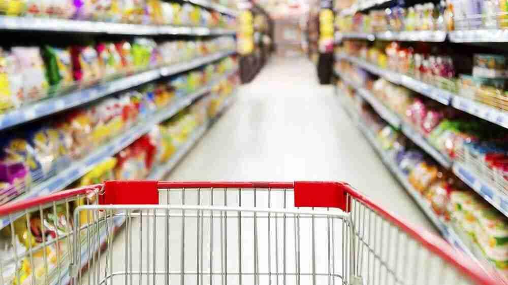 É justa a prisão por furto de alimentos no mercado?